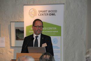 Das intelligente Holz der Zukunft