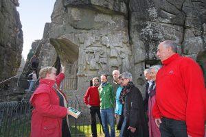 Beliebte Gästeführungen an Hermannsdenkmal und Externsteine wieder möglich