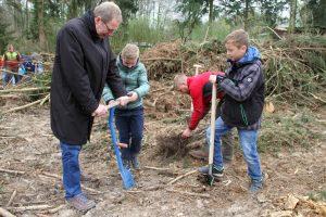 Ein Schülerwald für Lemgo